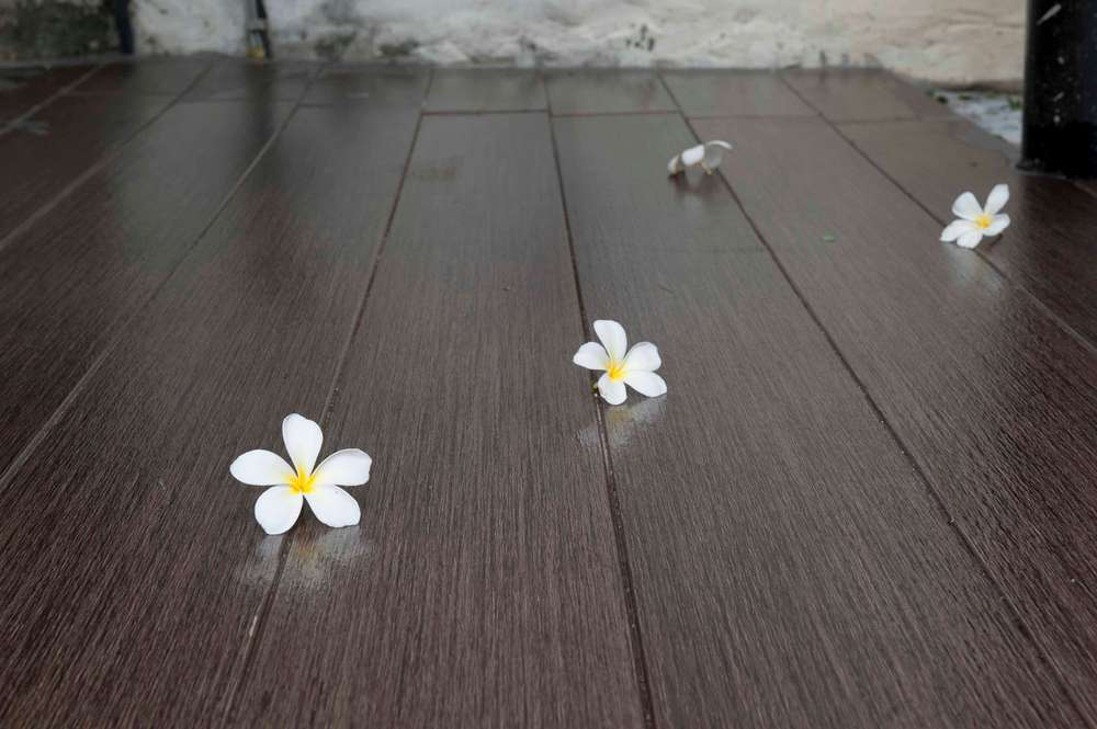 scg-floor-plank-t-clip-oak-brown-rachavadee-bankrut-resort-02